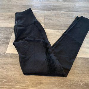 BEYOND YOGA BLACK NET LEGGINGS SZ XS